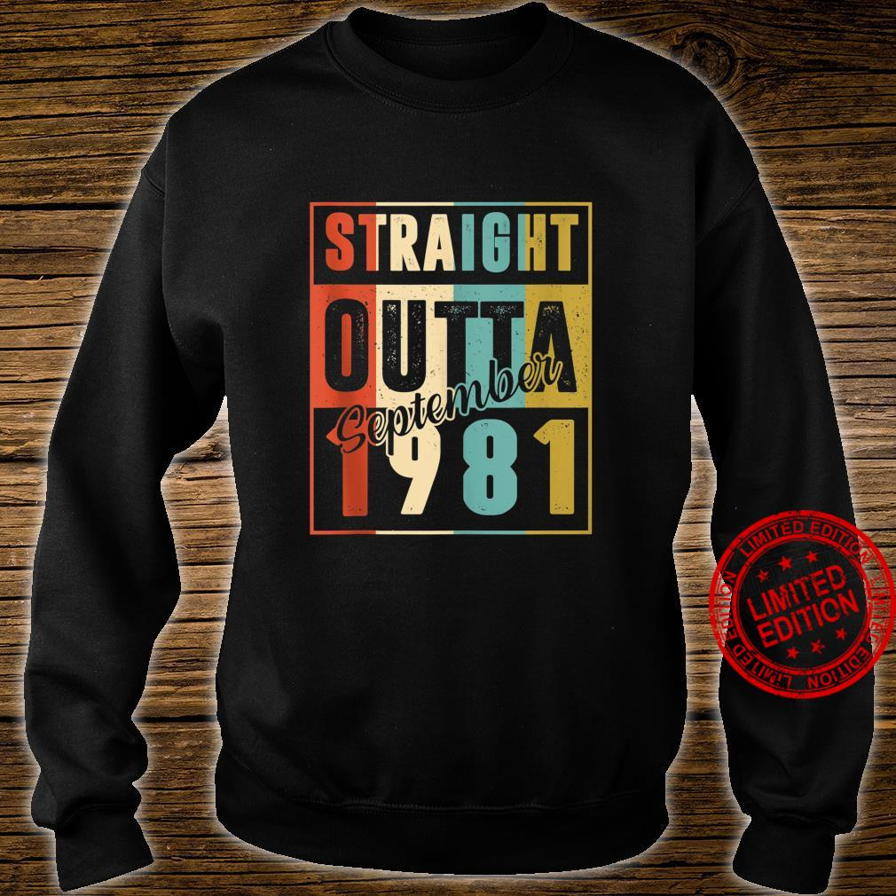 Straight Outta September 1981 Retro 39 Year Old 39th Bday Shirt sweater